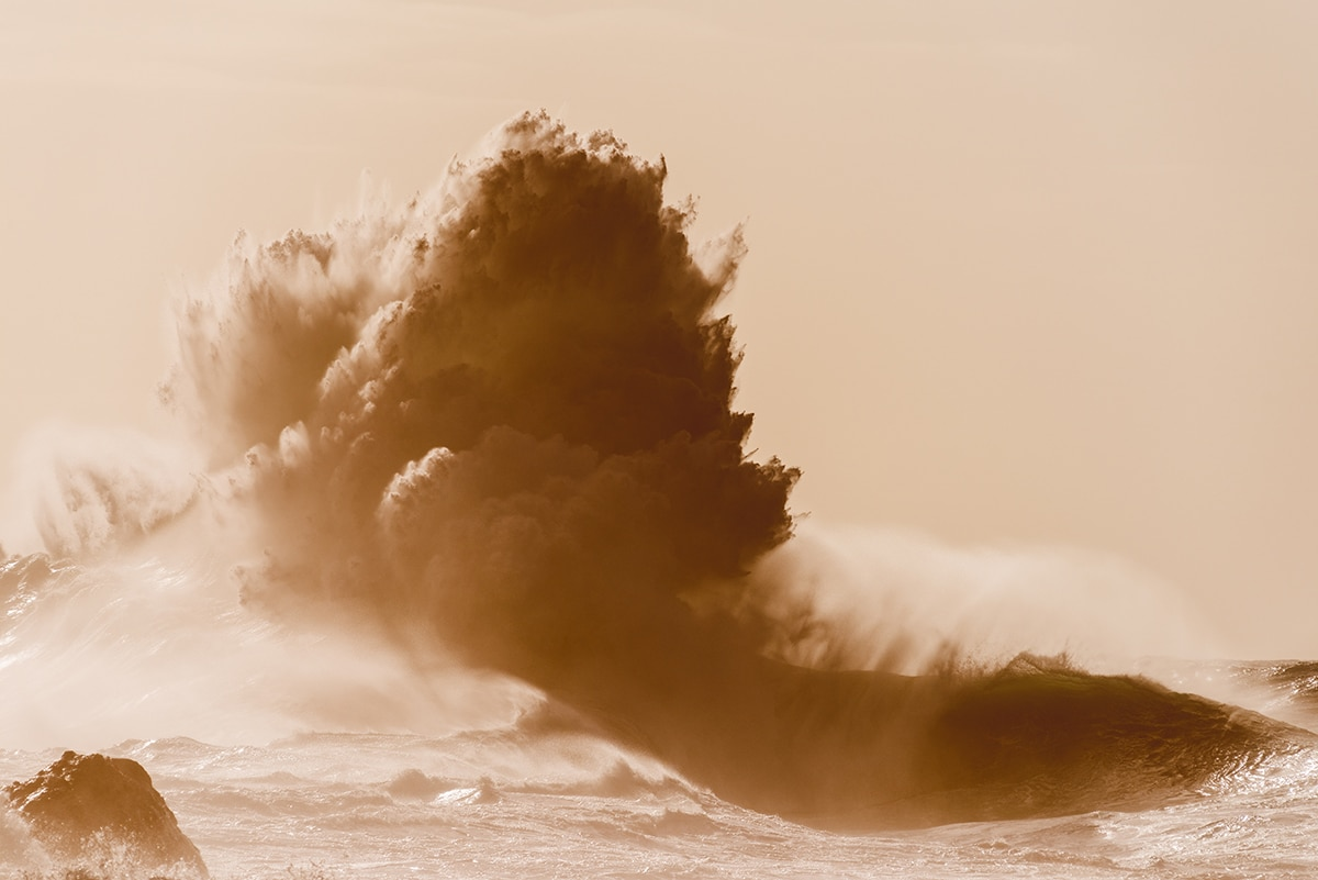 Photographie puissante de vague par Luke Shadbolt